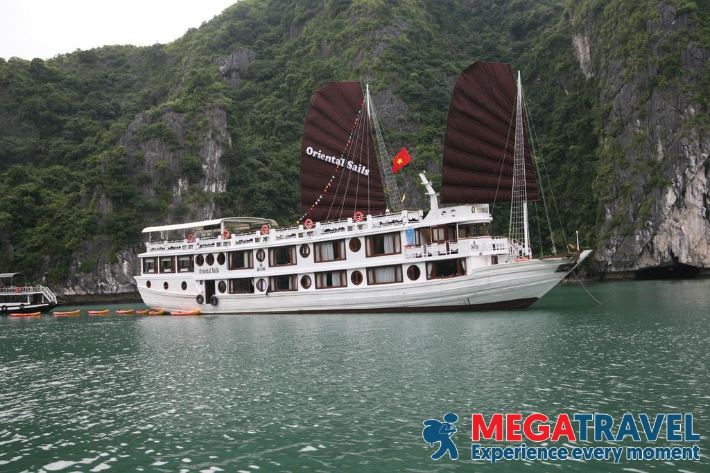 best Halong Bay cruises for backpackers 16