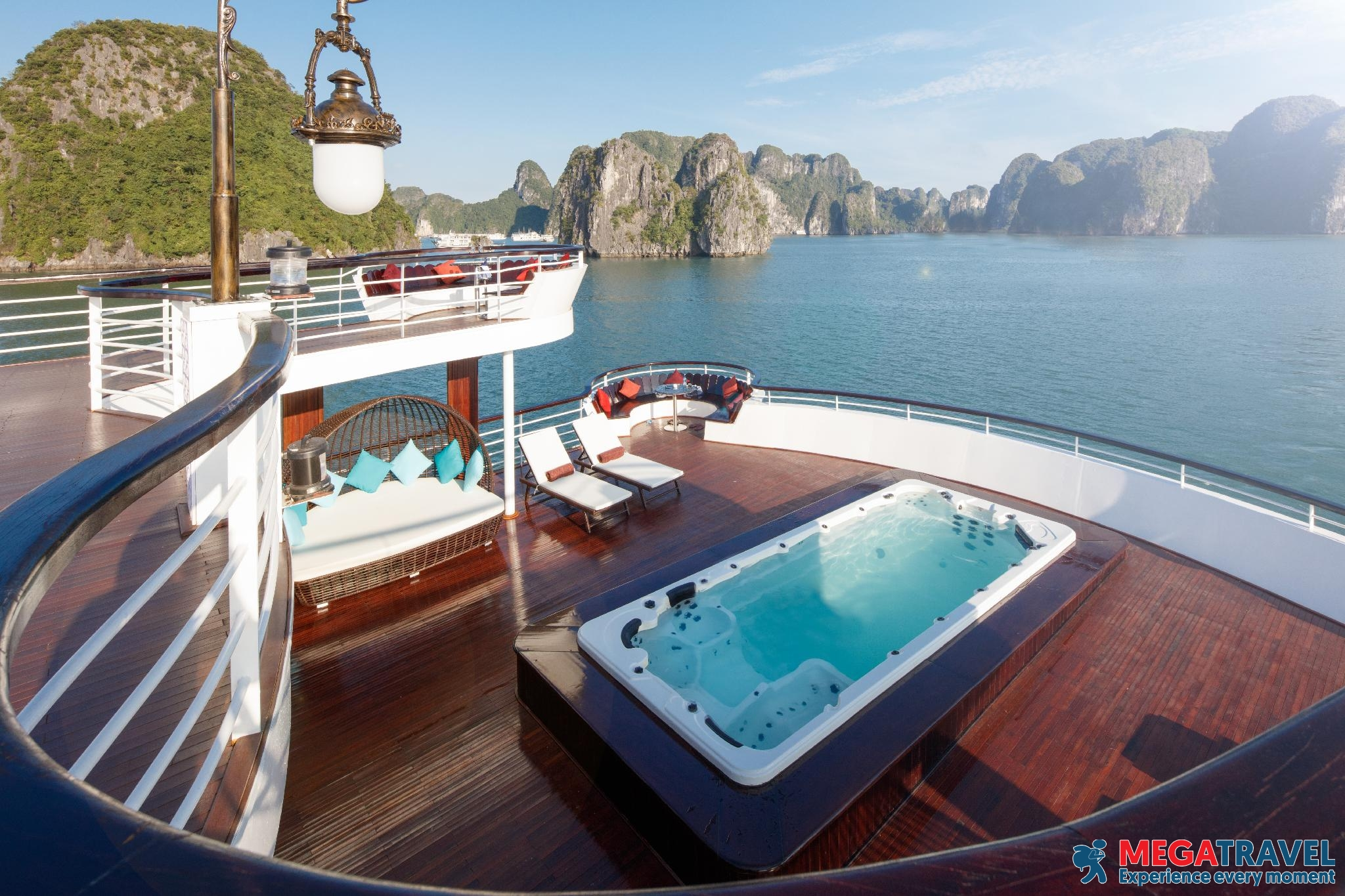 best Halong Bay cruises for backpackers 5