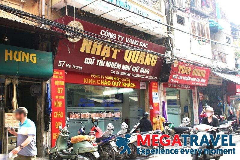 Best place to exchange money in Vietnam