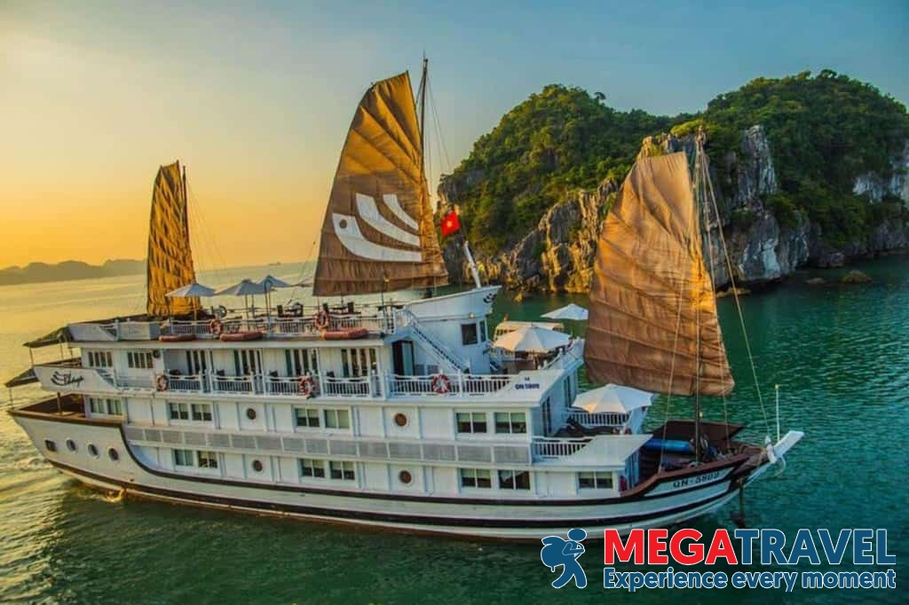 best Halong Bay cruises for backpackers 1