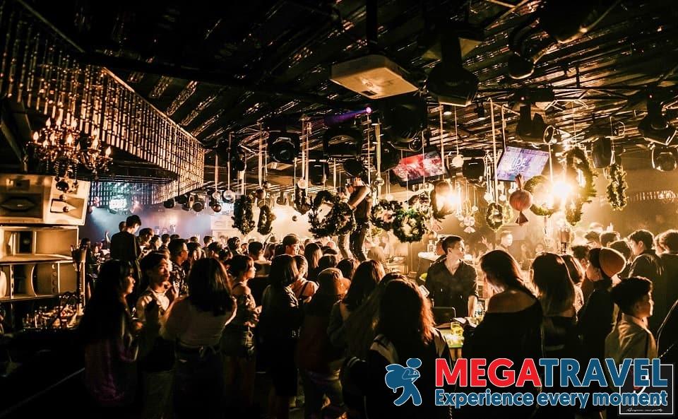 best bars in Hanoi 11