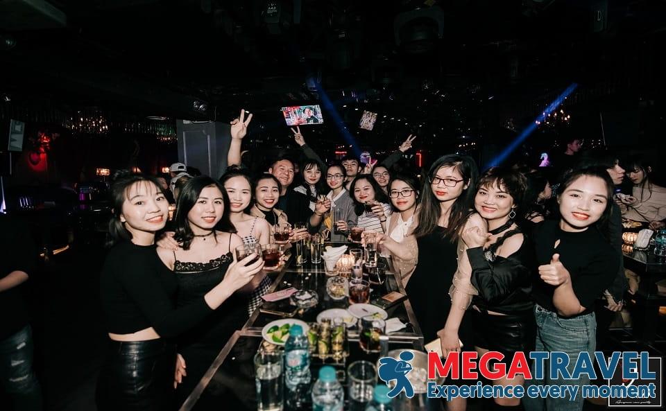 best bars in Hanoi 13